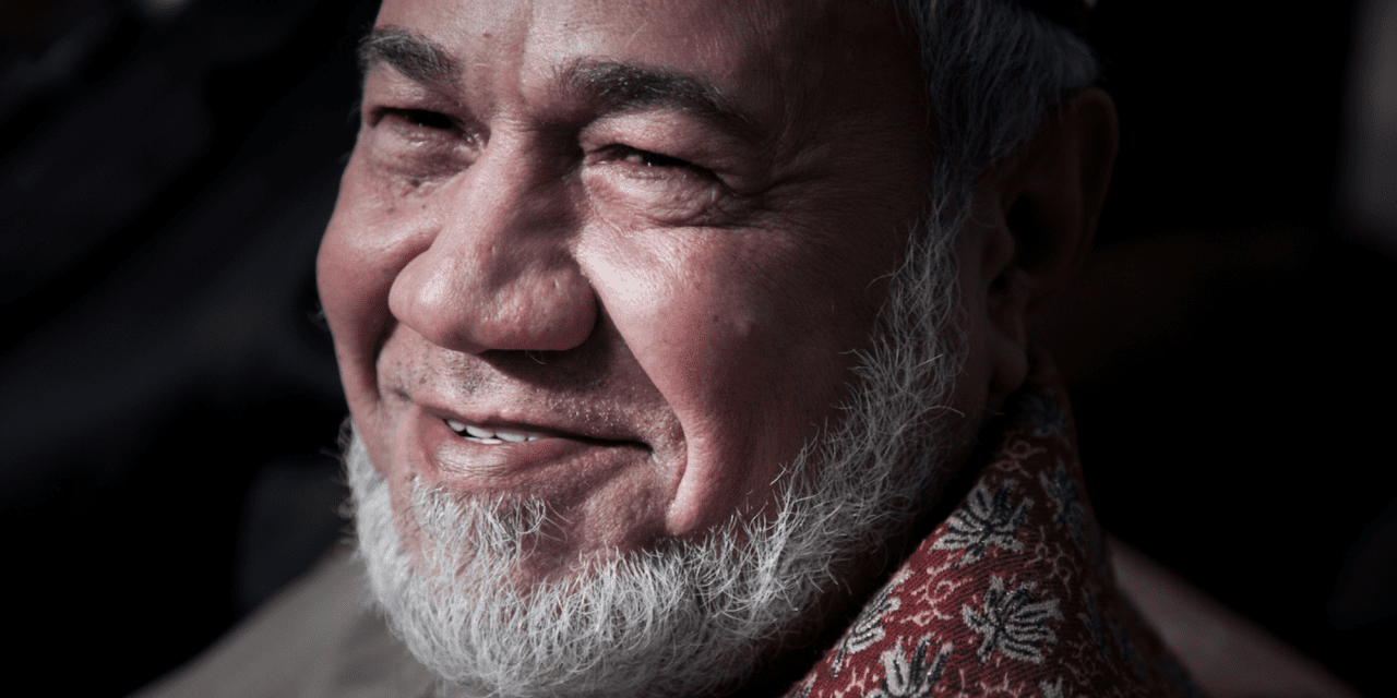 Arab World: The Unusual Samaritan – Live Dead